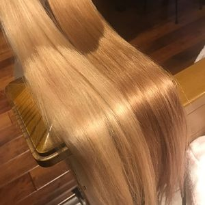 60 wefts of tape-in Hair extensions